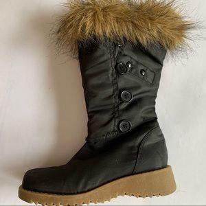 2/$20 Faux Fur Trimmed Fashion Boots Size 1.5